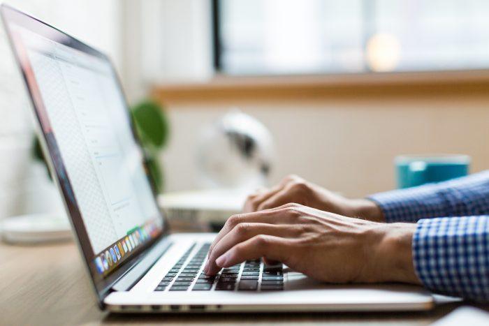 Créer son entreprise en ligne avec la loi Pacte